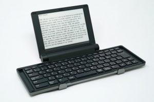 Представлена цифровая пишущая машинка с экраном E Ink»