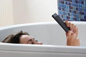Новый ридер Kobo Aura H2O не боится воды»