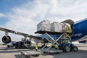 Преимущества и недостатки перевозок авиатранспортом